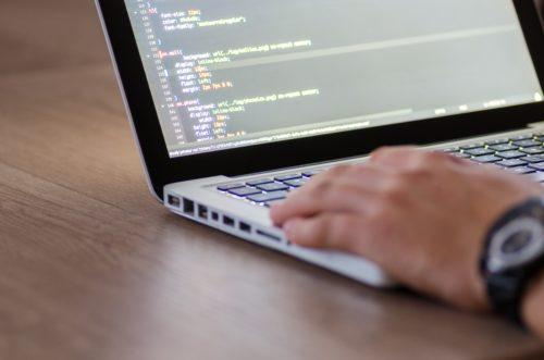 Contrats informatiques : obligation de coopération du client et obligation de conseil du prestataire